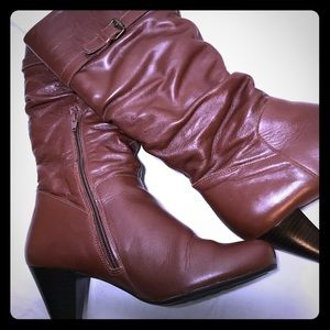 Aldo Low Heel Brown Scrunch Buckle Boots Sz 8.5